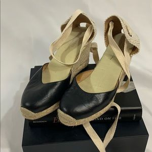 Soludos wedges size 9 Black and Tan